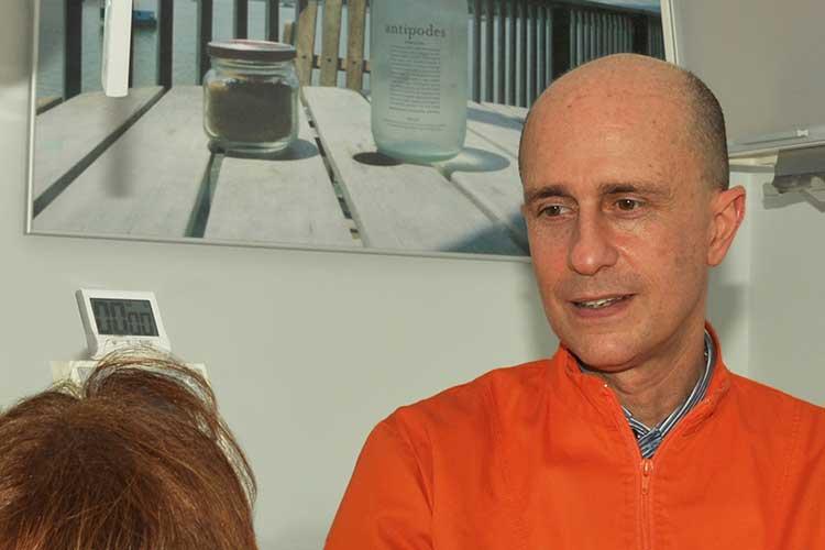 Studio Dentistico Nezzo: Dott. Alfio Bruccheri - Dentista a Roma