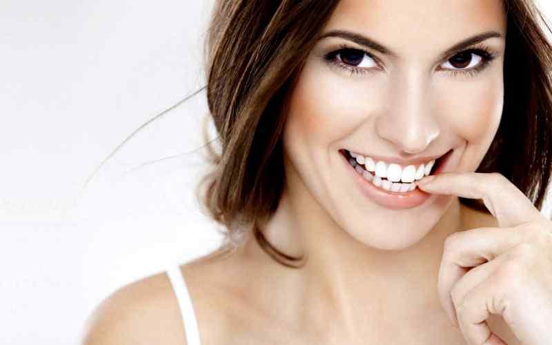 Offerta sbiancamento denti professionale: 30 % di sconto del fino al 7 gennaio